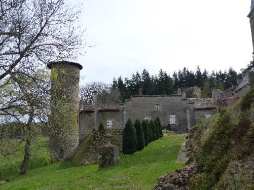 chateau-st-bonnet-le-froid-jardin-mars2017-chamaneetmarinette